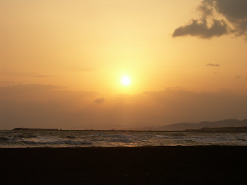 Sunset on the beach | by lhuga