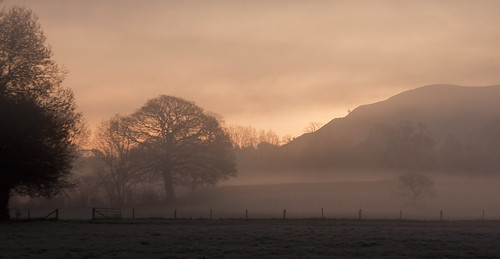 mist sunrise dorset blackmorevale childokeford hambledonhill