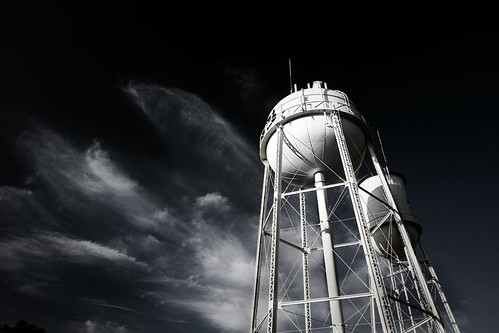 county city light sunset sky cloud canon skyscape photography eos spring interesting clayton pipe wells explore april usm saline ef 1740mm waterworks 2010 benton pipedream evning f4l 40d img1317 watertowerscape