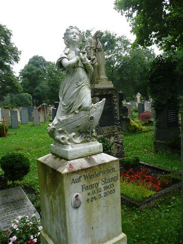 Fanny Stangl 1903 bis 2005, Grab mit Schifferin auf dem Westfriedhof München (It's all about soul)