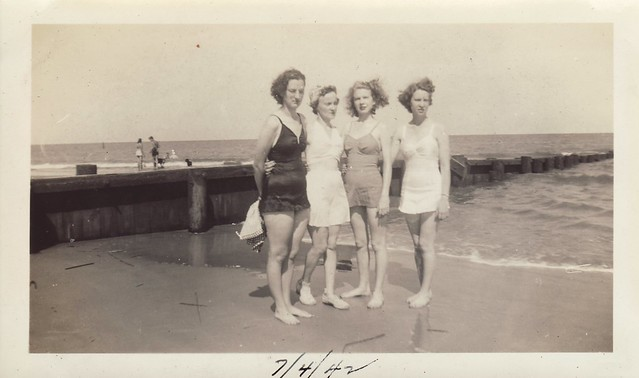 Dixon Sisters at the Beach 4