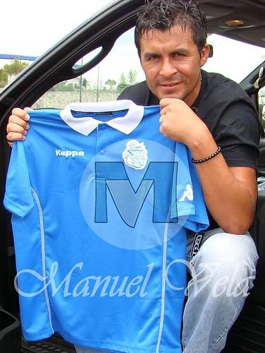 DSC03481 Playera de concentración marca KAPPA que el equipo Puebla FC usara en el torneo Apertura 2010 por LAE Manuel Vela