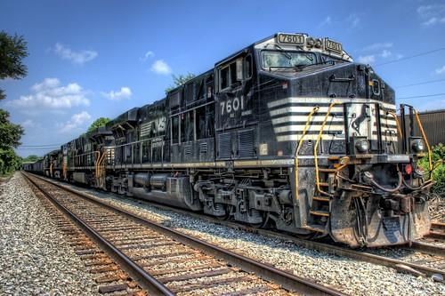 railroad train geotagged nc nikon belmont ns northcarolina rail rr ge hdr topaz norfolksouthern photomatix es40 d80 dougjohnson topazadjust geo:lat=35242184 geo:lon=81036873