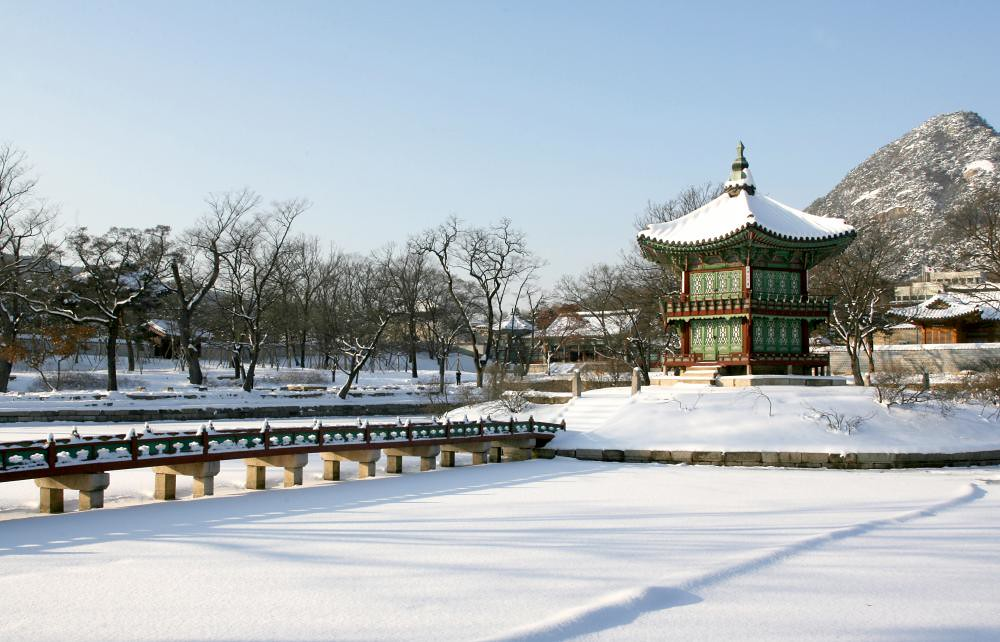 Gyeongbokgung Palace covered with snow | Korea in January 20… | Flickr