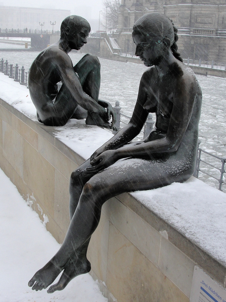 Girls nackt im schnee
