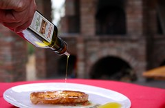 Fettunta with our Extra Virgine Olive Oil @ Podere Casanova - Montespertoli