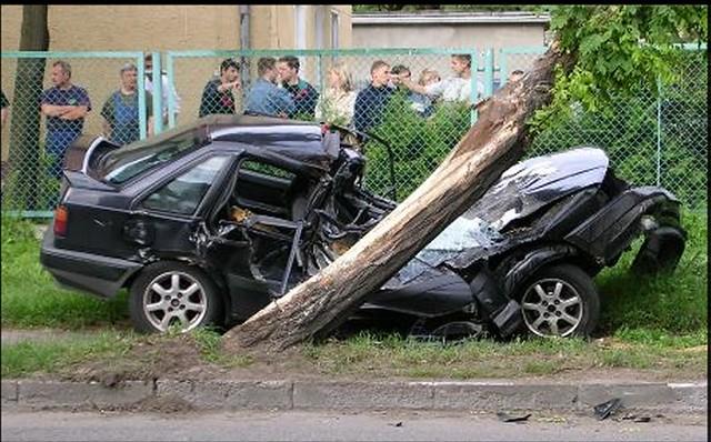 Volvo 440 bad9541 | Please drive carefully  | uk_senator | Flickr