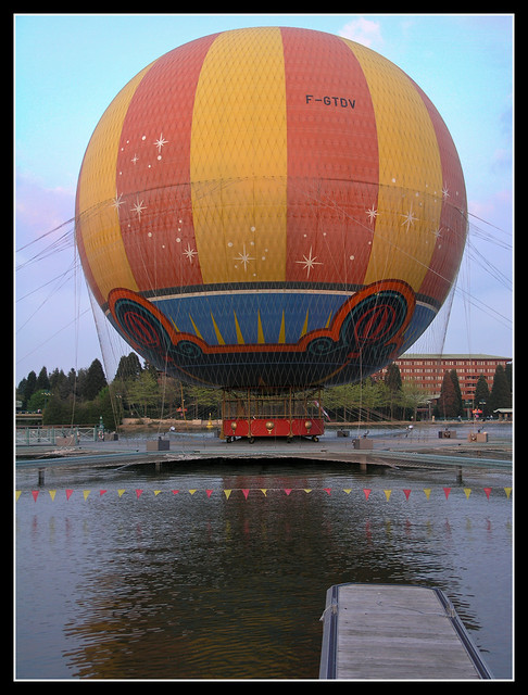 Baloon near the Walt Disney Studios Park 2