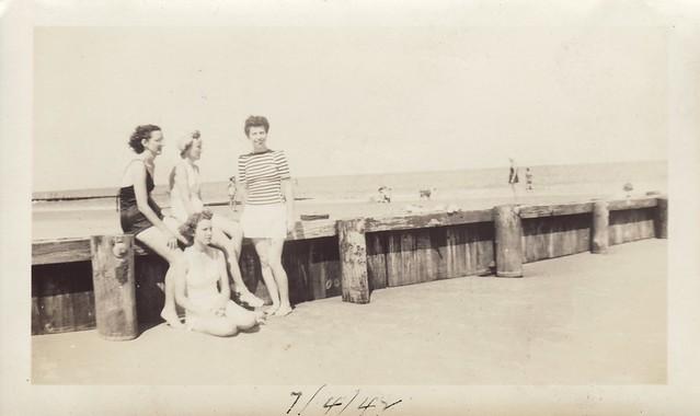 Dixon Sisters at the Beach 5