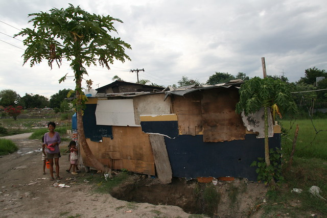 Asia - Philippines: the slums in Angeles City   Flickr