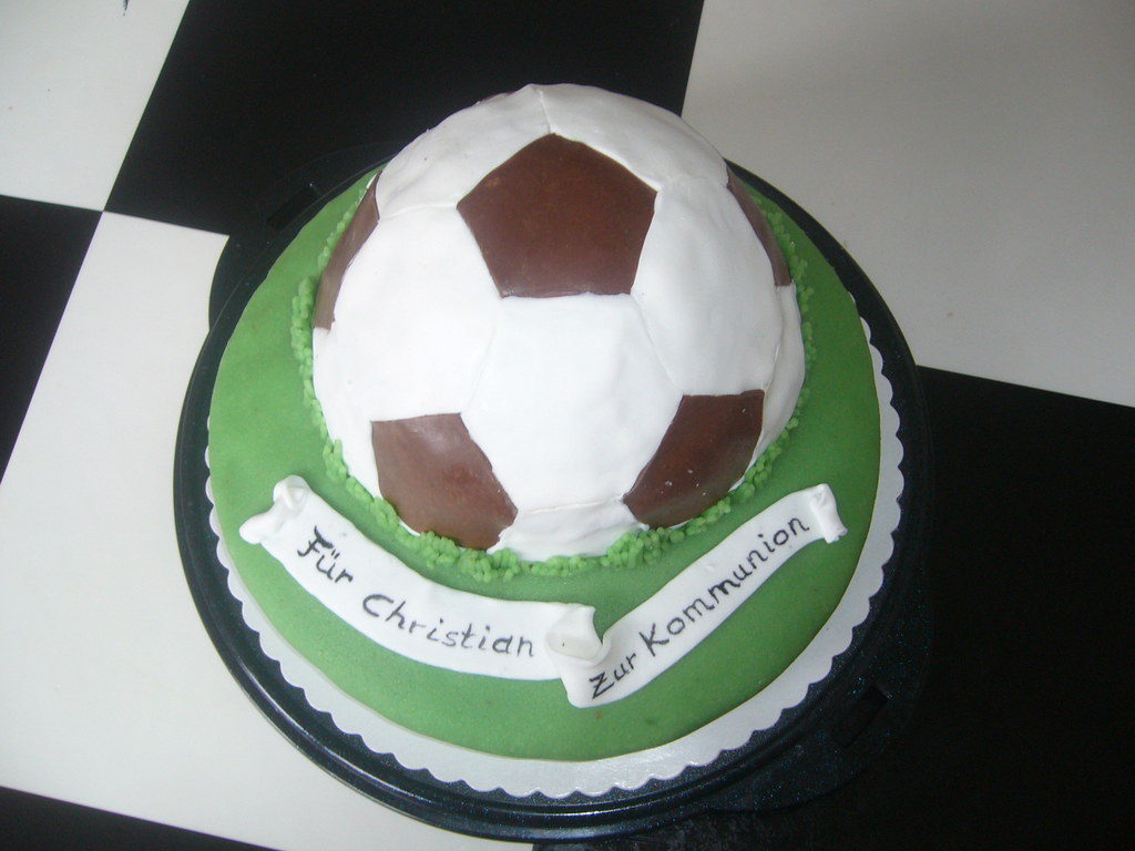 Fussball Torte Zur Kommunion Football Soccer Cake Flickr