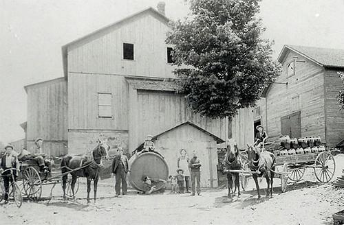 straub-brewery-1895-closeup | by jbrookston