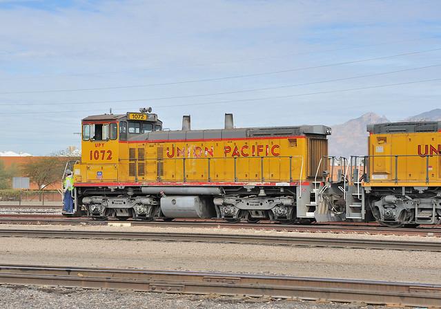UPY SW1500 number 1072, Tucson Yard, January 7, 2010 2