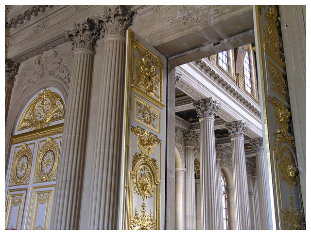 Versailles - looking inside the royal chapel - details