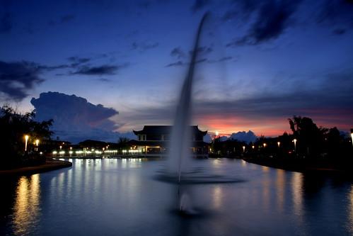 sunset water pond kuching efs1585is