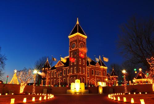 christmaslights arkansas merrychristmas holidaylights benton salinecountycourthouse 18105mm nikond90