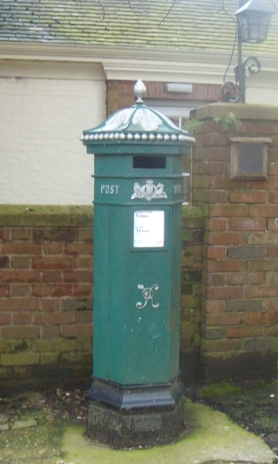 Green postbox Haslemere Witley to Haslemere
