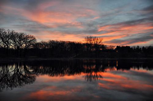 morning night clouds sunrise reflections landscapes illinois nikon midwest skies cloudy pinoy silhouttes naturescapes springseason d90 wetreflections yahooweather veteranacrespark perfectsunsetssunrisesandskys setholiver1 veteranacrespond