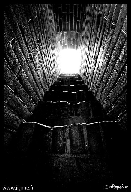 POEM 66/365 : Cave