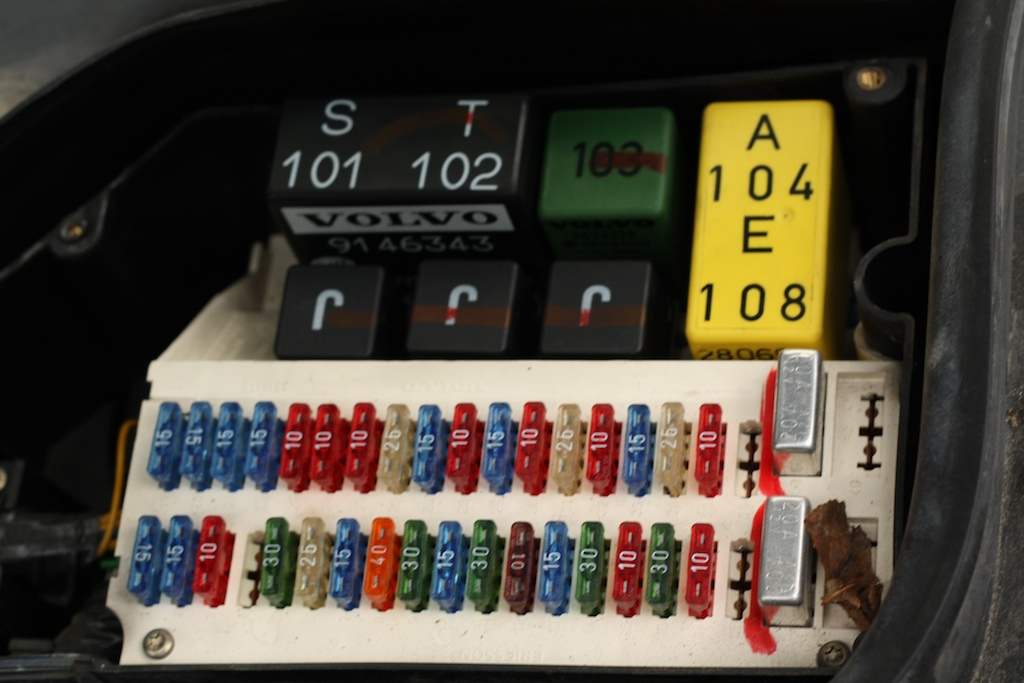 volvo 850 1994 fuse box | by memphis_4242