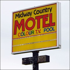 Midway Country Motel ruins