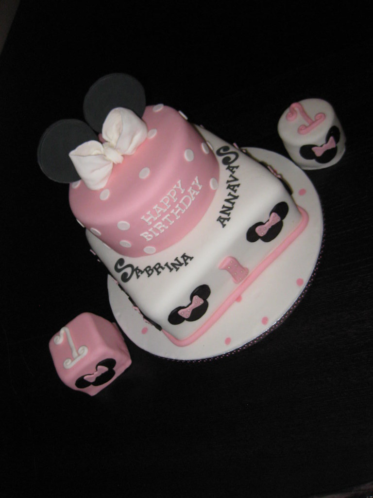 Surprising Minnie Mouse 1St Birthday Cake With Twin Smashies Twin Gir Flickr Funny Birthday Cards Online Alyptdamsfinfo
