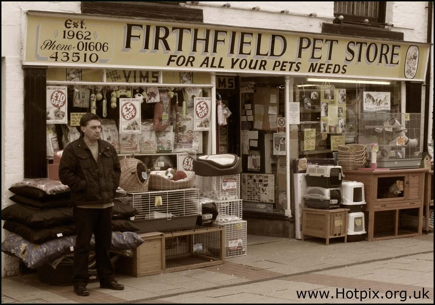 Northwich,Witton,St,Street,Cheshire,pet,shot,365,project project365,365project,sepia,toned,selective,colour,color,colores,hotpix!