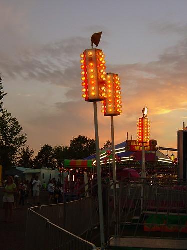 carnival sunset sun wisconsin fun lights dusk 2006 entertainment rides tiltawhirl midway countyfair wi amusements medford carnivalrides mred amusementrides thrillrides taylorcounty carnivalmidway centralwisconsin hiroller medfordwi taylorcountyfair mredsmagicalmidway mredscarnival 2006taylorcountyfair