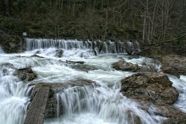 Saltos de agua de caño