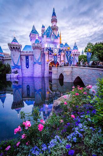 california travel castle sunrise disneyland disney sleepingbeauty 24hours sleepingbeautycastle 24hourparty