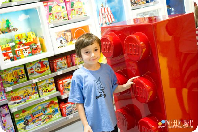 LegoStore-StoreRed-ImFeelinCrafty