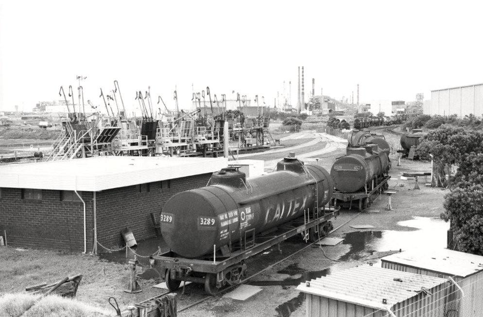 Oil pots 88