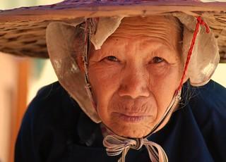 Woman on street, Xiaoyi County, Guangxi | by ^^^ 星翼^^^
