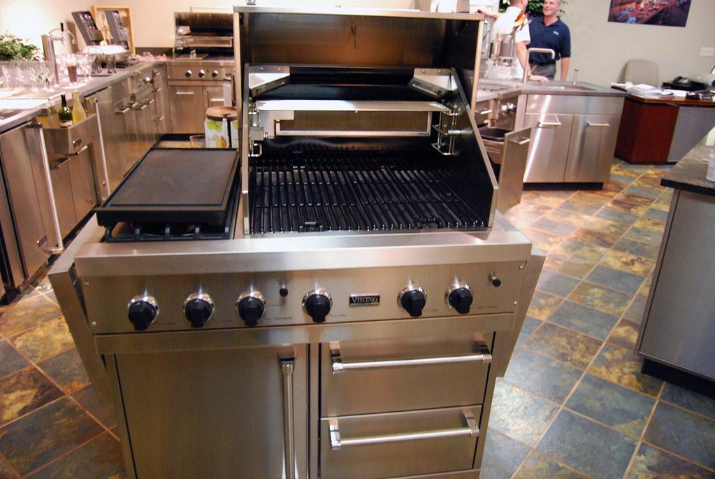 Viking Grill Complete With Side Burner Ajmd Us Chbz4j Aj Madison Flickr