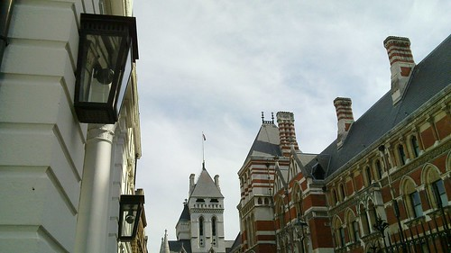 Old and new: lamps and CCTV (and Royal courts of Justice) | by Panda Mery
