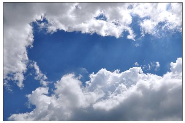 Angels singing down from heaven cloud | Chris Hinton | Flickr