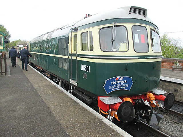 Resplendant in BR Green, D6501 (33002) waits at North Weald, EOR Epping Ongar Railway 22.04.17