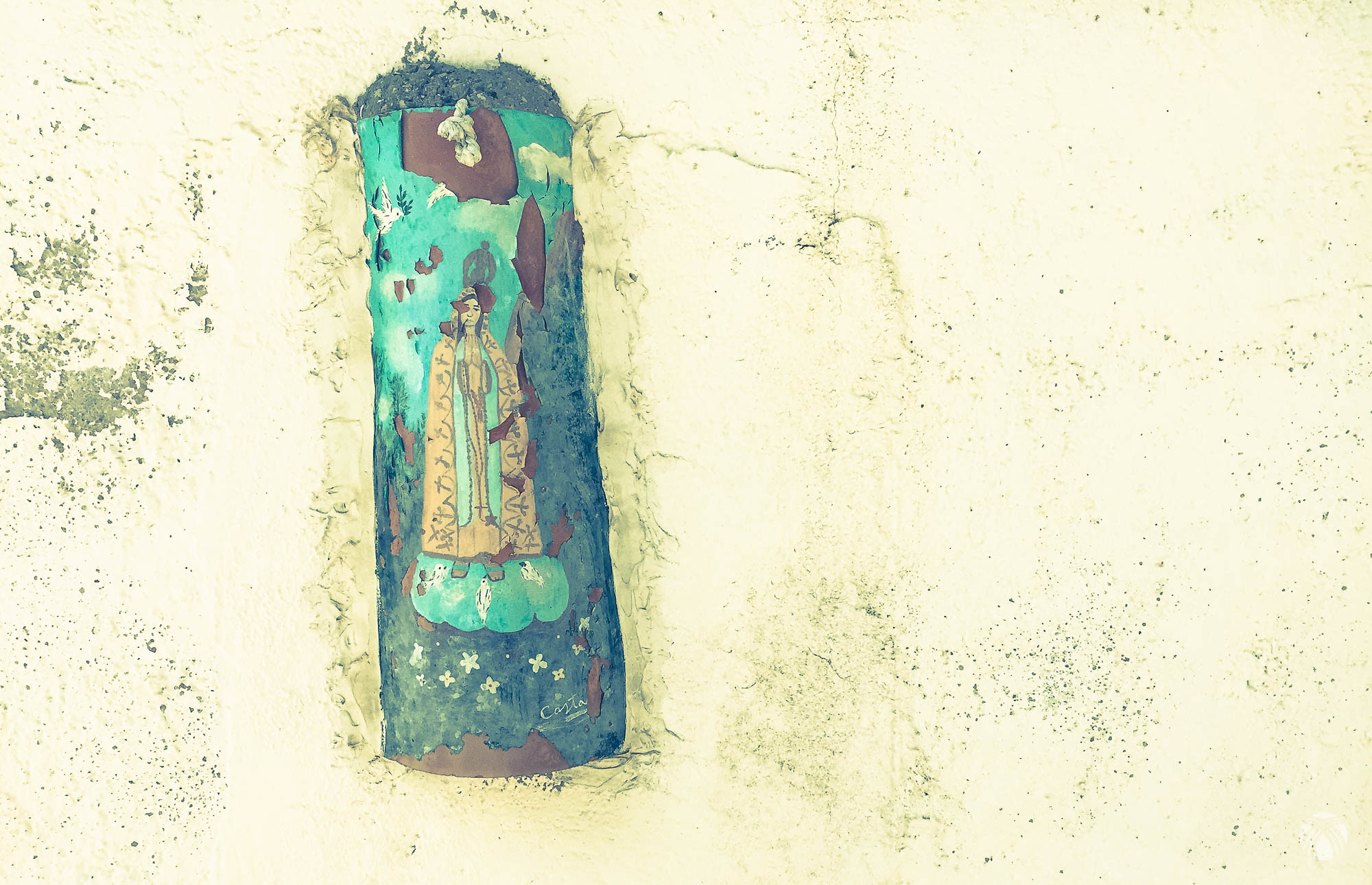 La Virgen de Fátima en una fuente