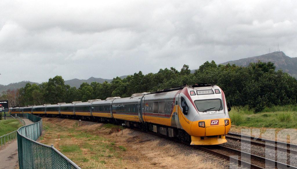 Tilt Train passes through Townsville ~31.03.10 by James 460