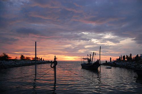 sunset silhouette landscape nikon kitlens malaysia handheld perak d40 nikond40 1855mmf3556gii kualakurau banpecah dpsweather