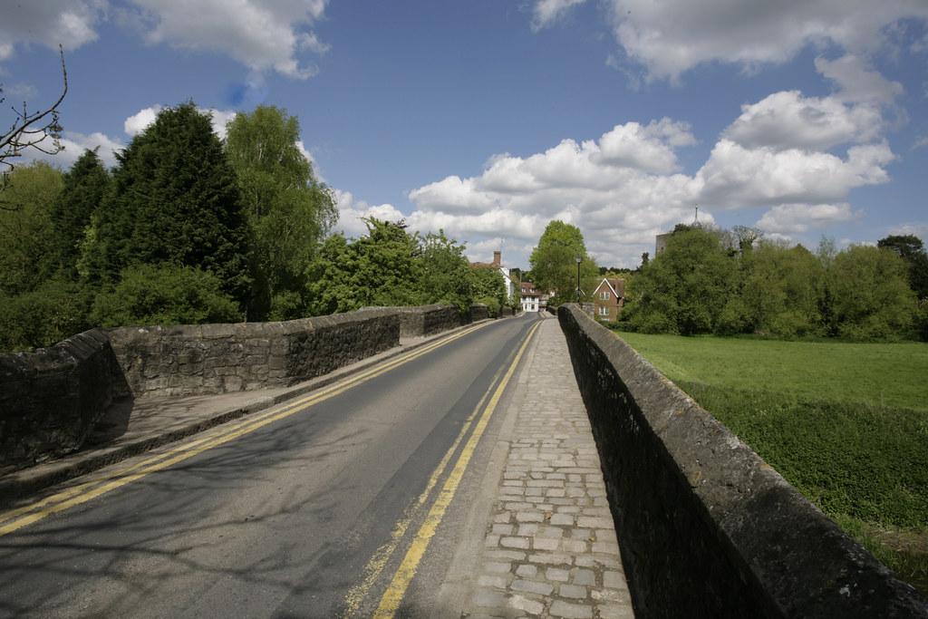 Bridge over the medway @ Yalding Kent