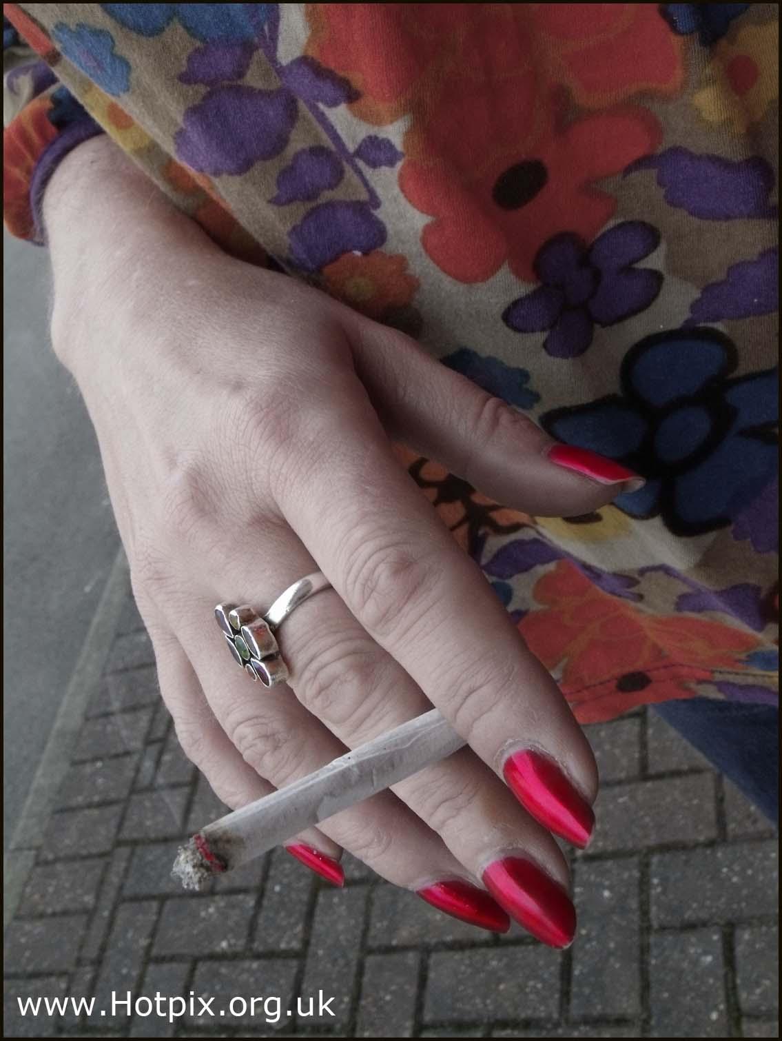 rizla,tobacco,smoke,smoker,smoking,ban,roll,up,rollup,handmade,hand,made,cigarette,uk,england,britain,red,nails,lady,woman,female,Di,M,DianeM,Diane,sex,sexy,mathews,matthews,muchacha,femenina,de,la,mujer,se\u00f1ora,girl,\u5973\u6027\u30e1\u30b9\u306e\u5973\u6027\u306e\u5973\u306e\u5b50,\u592b\u4eba\u5973\u6027\u5987\u5973\u5973\u5b69,fille,f\u00e9minine,femme,dame,hotpix!
