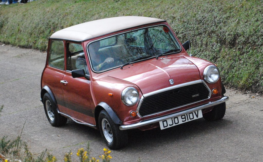Austin Mini 1100 Special On The Brooklands Test Hill Flickr