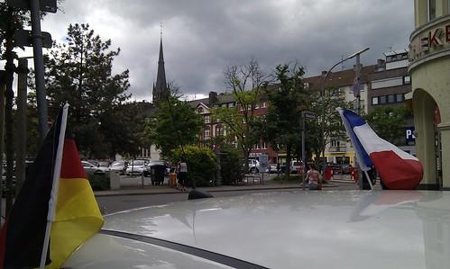 20100612_-_Mobile_City_Walk_Saarbruecken_086_-_Beethovenplatz_-_Flaggen_3