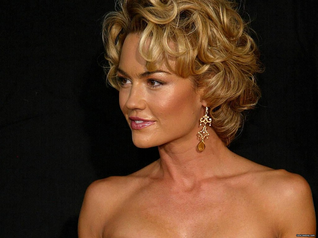 Kelly Carlson Nude Photos 19