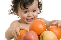Sanutri aconseja el consumo de fruta para completar la dieta de tu pequeño | by Sanutri, alimentación para tu bebe