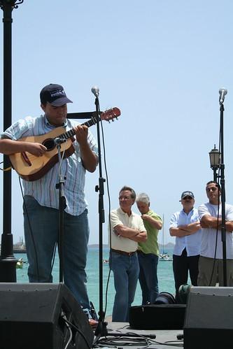 David León al instrumento
