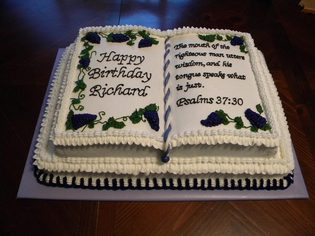 Book Birthday Cake | Jennifer | Flickr