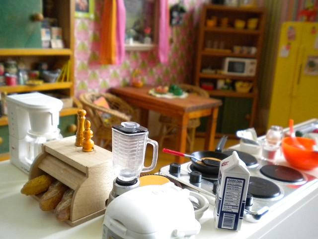 Oldfashioned kitchen Barbie Blythe size
