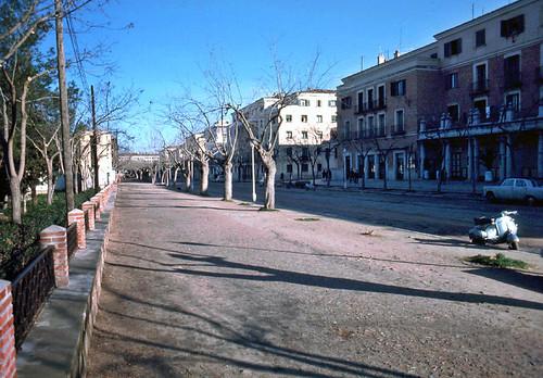 Avenida de la Reconquista en Toledo en 1967. Fotografía de John Fyfe